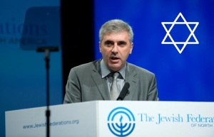 Russian-born Israeli businessman and philanthropist Leonid Nevzlin addresses the General Assembly of the Jewish Federations of North America in Washington on November 9, 2009. The Russian government is seeking Nevzlin's extradition over criminal allegations against him and other former executives of the dismantled Yukos oil company. AFP PHOTO/Nicholas KAMM (Photo credit should read NICHOLAS KAMM/AFP/Getty Images)