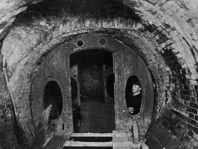 """""""Pneumotranzyt"""" – podziemny tunel dla pociągówpneumatycznych 4"""