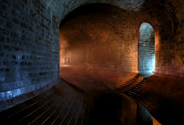 """""""Pneumotranzyt"""" – podziemny tunel dla pociągówpneumatycznych 8"""